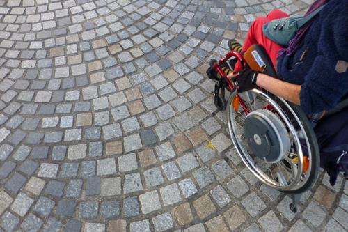 Concarneau en fauteuil roulant. Interview